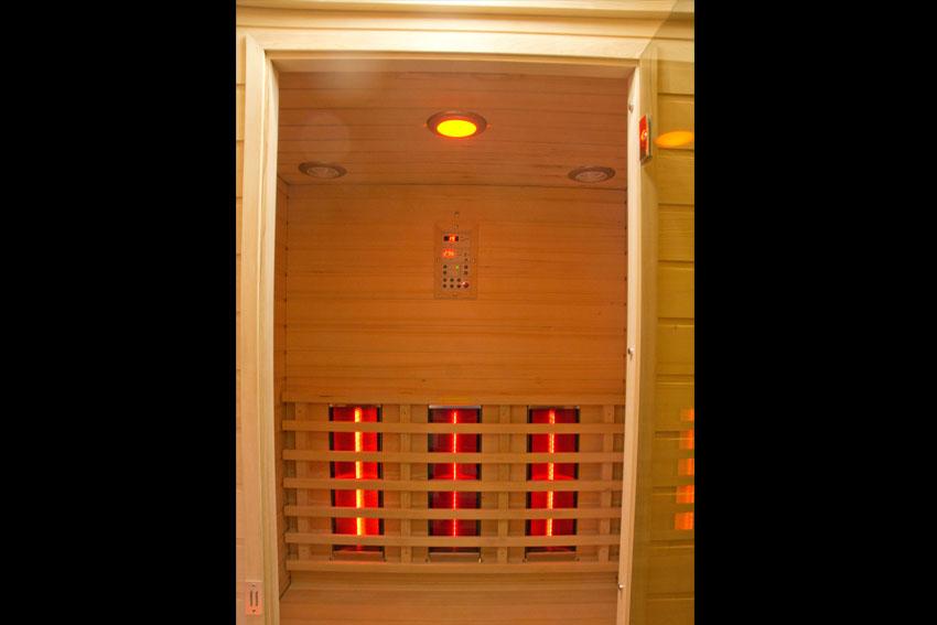 uitgerust met een sauna